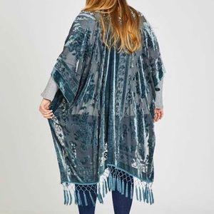Plus Size 👗BEAUTIFUL Tapestry Blue Velvet Kimono